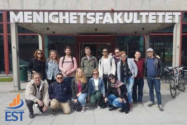 Equipe da Faculdades EST em intercâmbio na Noruega