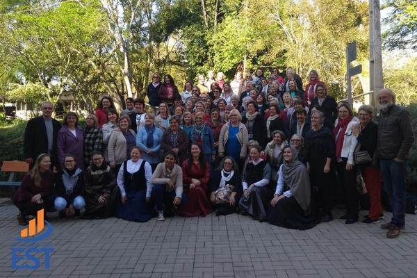 Faculdades EST recebe visita da OASE
