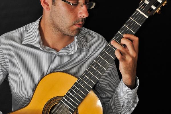 Faculdades EST recebe concerto de violonista italiano