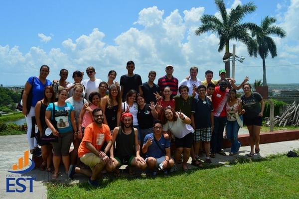 Discentes da Faculdades EST em Cuba