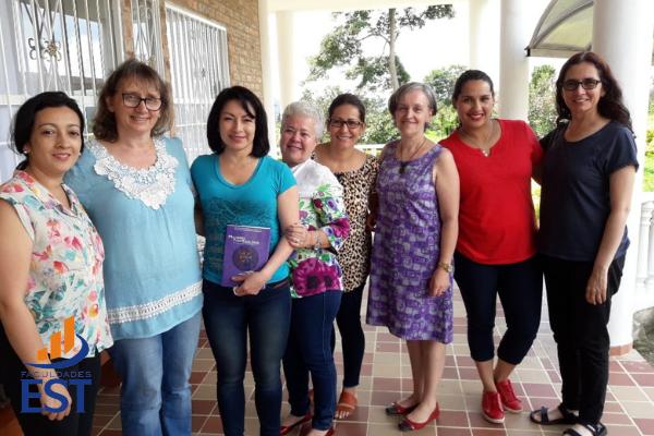 PGR em intercâmbio de pesquisa na Colômbia