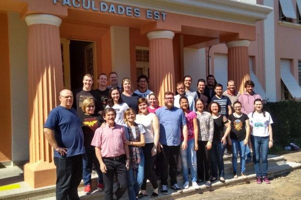 Faculdades EST forma turma de Bibliologistas