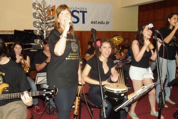 Big Band promove a inclusão através da música