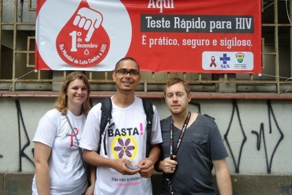 Estudantes participam do Dia de Luta contra a Aids