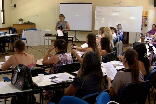 Pandorga e Faculdades EST realizam cursos sobre Atualização em Autismo