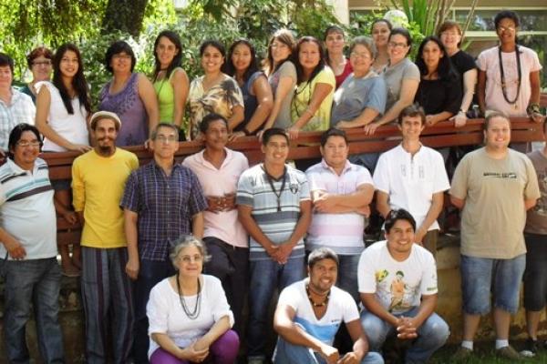 Professores indígenas ministram aulas em curso promovido em parceria entre a EST e o COMIN