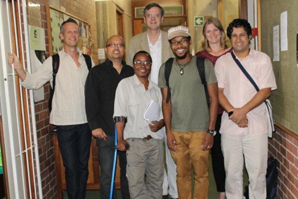 Pesquisadores brasileiros e sul-africanos discutem alternativas para a epidemia de AIDS