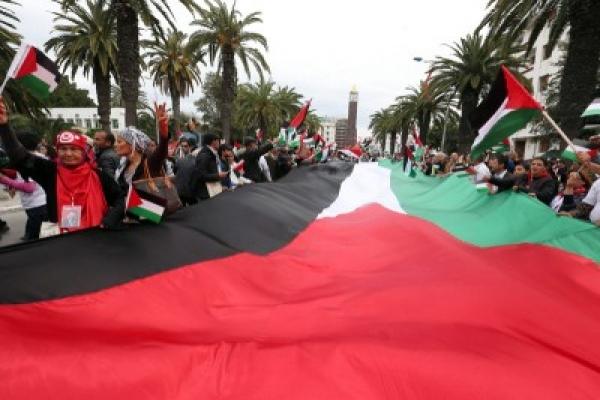 Invisibilizado pela imprensa, FSM reúne 70 mil participante em Túnis