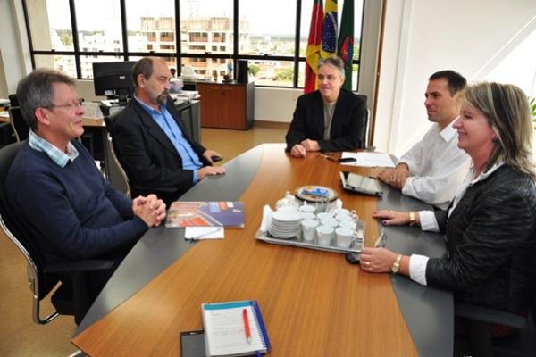 Prefeitura e EST querem intensificar parcerias
