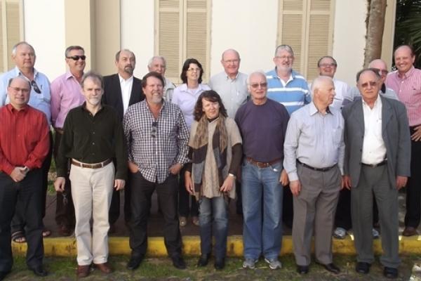 Reitor acompanha representantes da ISAEC em visita à EST