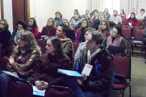 (In)Tolerância religiosa é tema de fórum docente na EST