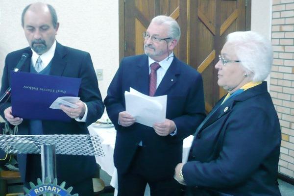 Reitor é homenageado pelo Rotary Internacional