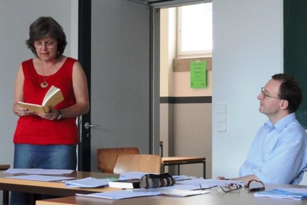 Professora da EST lança livro na Alemanha
