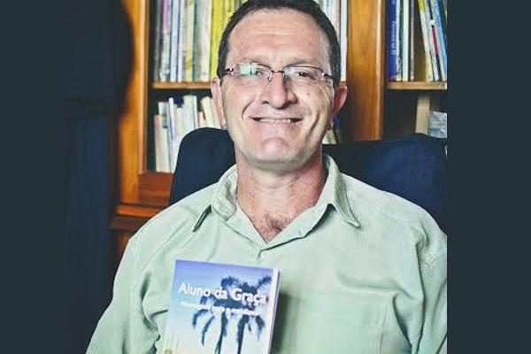 Mensagens do trabalho pastoral de Paulo Einsfeld são compiladas em livro