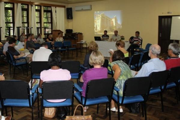 Reitoria anuncia projetos para 2014 em reunião geral de professores