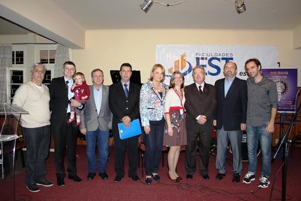 EST e Rotary firmam parceria para capacitar cuidadores