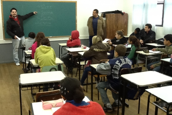 Bolsistas PIBID oferecem nova perspectiva ao ensino da Música em escola municipal de São Leopoldo