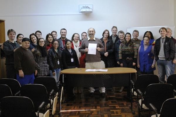 Assinado acordo coletivo que concede auxílio alimentação aos funcionários da EST