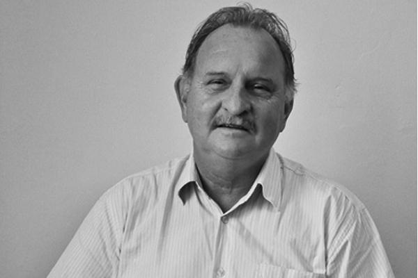 Roberto Zwetsch lança seu terceiro livro de poemas