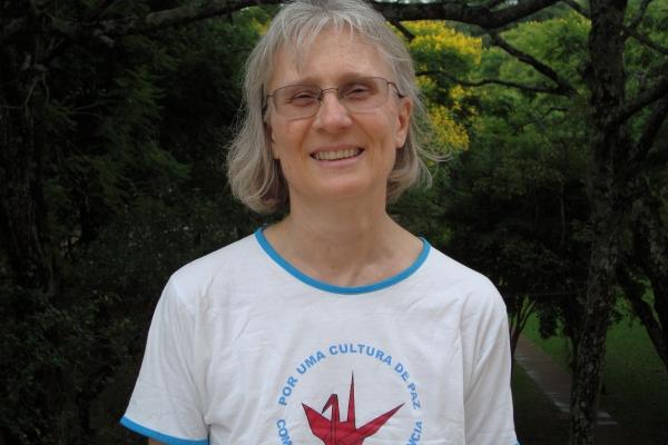 Professora da EST recolhe depoimentos de vítimas da violência armada