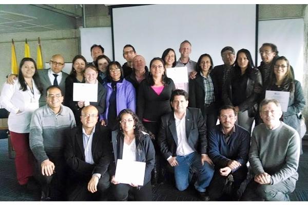 Intercâmbio entre universidade colombiana e Faculdades EST