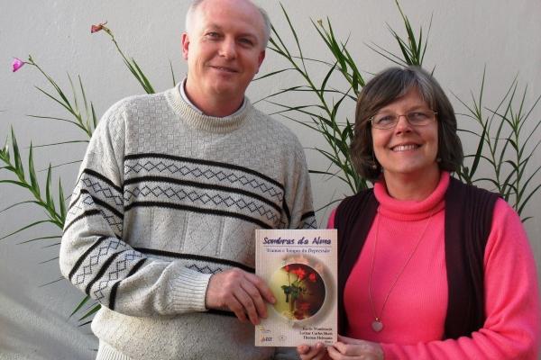 Livro Sombras da Alma está à venda pela Editora Sinodal
