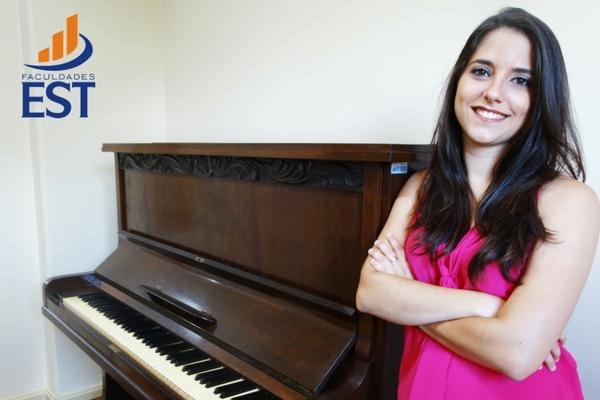 Mariane Kerber: música, criação e composição